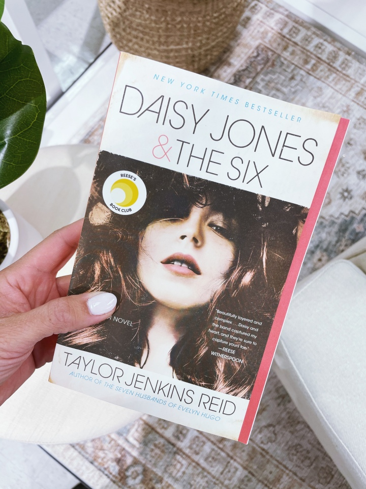 KV Book Review: Daisy Jones & TheSix